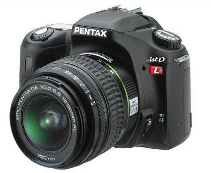 Pentax istDL dSLR camera