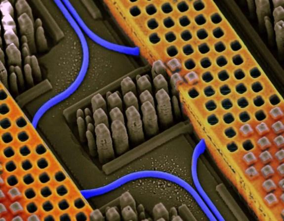 IBM nanophotonics chip