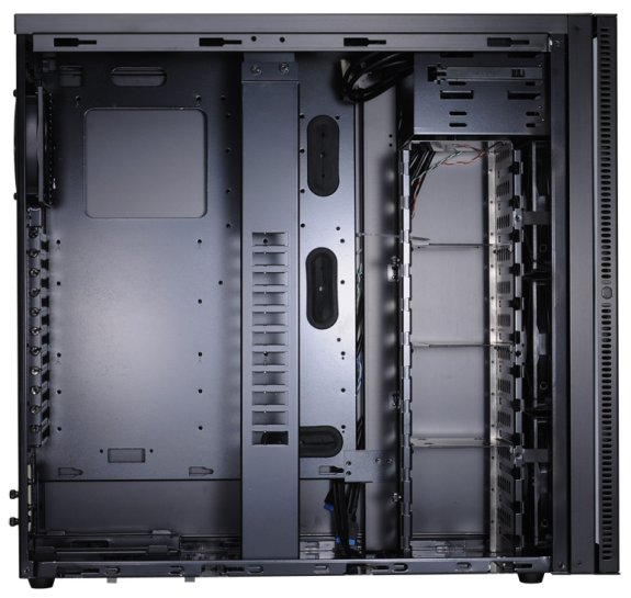 Lian Li PC-A76X interior