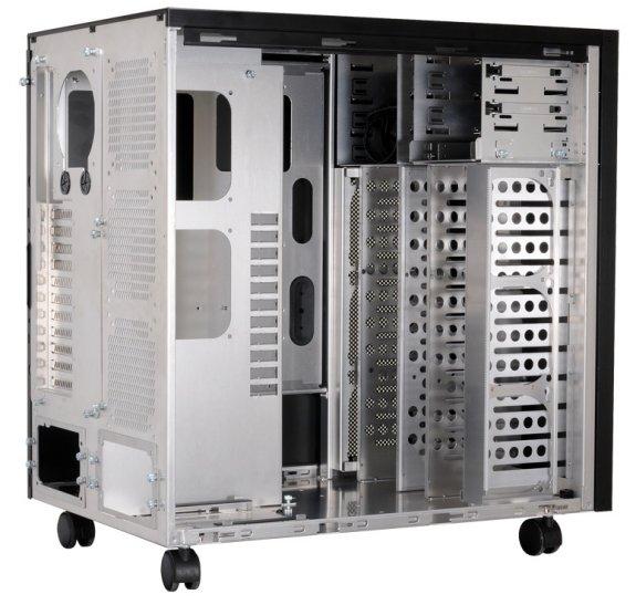 Lian Li PC-D8000 interior
