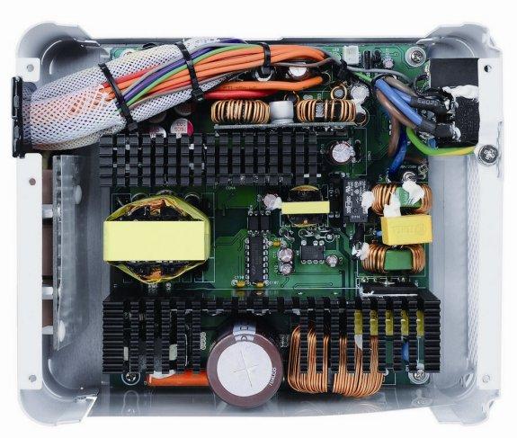 ThermalTake Toughpower Grand Platinum interior