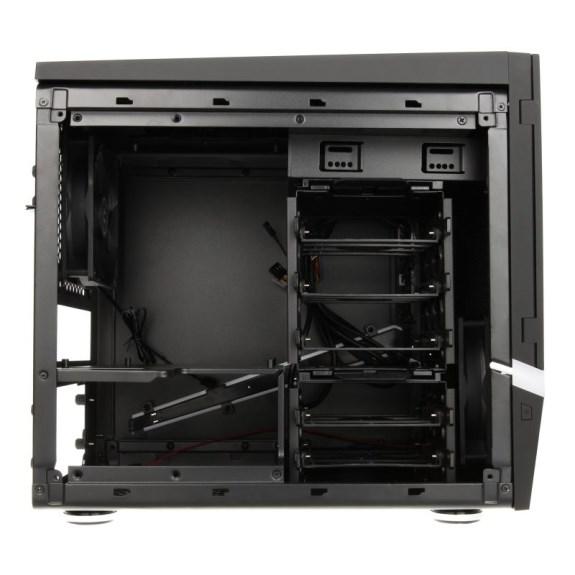 BitFenix Colossus M interior