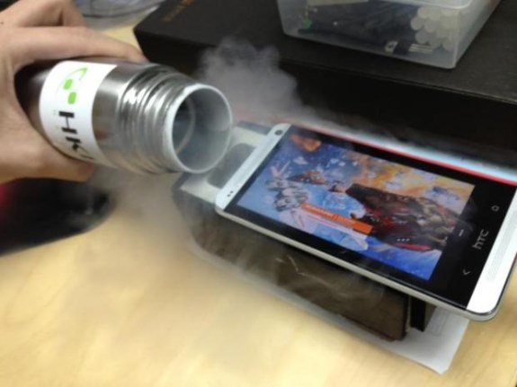 HTC One LN2 cooled