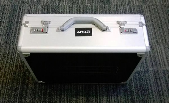 AMD Radeon R9 295X2 briefcase