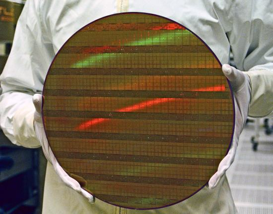 a 300mm wafer from Intel with 45nm test chips