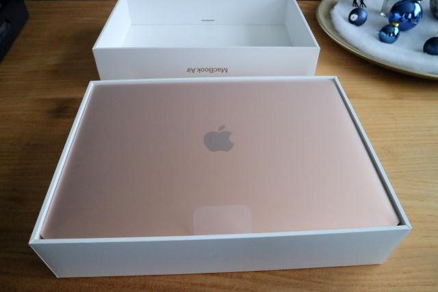 Apple MacBook Air M1 in the box