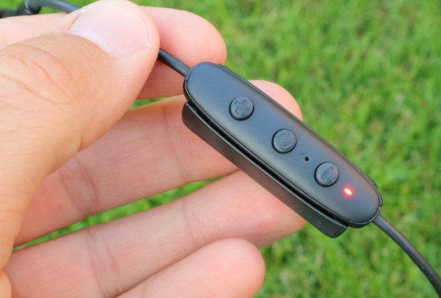 Jaybird Freedom 2 inline controller charging