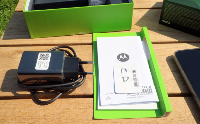 Moto G7 Plus extras in the box