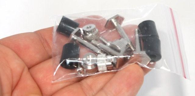 NM-I3 bag of screws