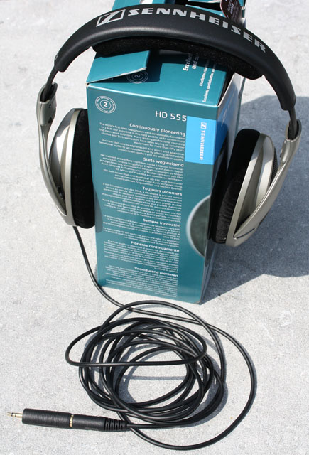 HD 555 headset